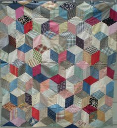 most popular first time quilts - Yahoo Image Search Results Tumbling Blocks Quilt, Quilt Blocks, Sewing Blogs, English Paper Piecing, Quilt Top, Quilting Projects, Hand Sewing, First Time, Champion
