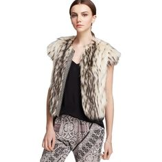 Pre-owned Twelfth St. By Cynthia Vincent Chainmail Faux Fur Vest Sz... ($198) ❤ liked on Polyvore featuring outerwear, vests, none, faux fur vest, chain mail vest, fake fur vest, metallic vest and twelfth street by cynthia vincent