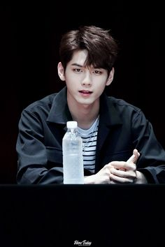 """when seo kang joon and ong seongwoo act in the same drama it's really over for us bitches"" Korean Celebrities, Korean Actors, Ong Seung Woo, Cho Chang, Lai Guanlin, Kim Jaehwan, Ha Sungwoon, Cha Eun Woo, Seong"