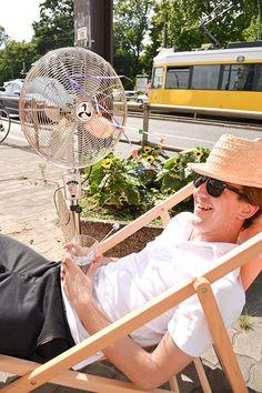 creoven wünscht allen Ventilator-Freunden ein schönes sonniges Wochenende! www.creoven.de/was-ist-besser-standventilator-oder-turmventilator/ Hanging Chair, Baby Strollers, Children, Home Decor, Terrace, Garten, Nice Asses, Ideas, Kids