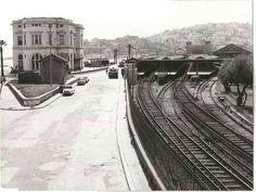 Αθήνα. Νέα Φάληρο σταθμό. Γα 1960 Old Photos, Vintage Photos, Old Greek, Greek History, Athens Greece, Old City, Railroad Tracks, Nostalgia, The Past