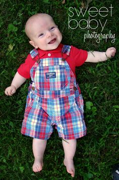 baby boy photo idea ~ green grass ~ 5 month old photo shoot ~ baby boy ~ red, white, and blue ~ photo idea