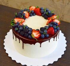 Cake Decorated With Fruit, Eating Ice Cream, Easy Cake Decorating, Occasion Cakes, Aesthetic Food, Royal Icing, Cake Art, Beautiful Cakes, Yummy Cakes