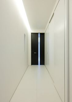 Ceiling with indirect lighting, house in Osaka, Japan by Freedom Architects_