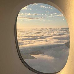 sky, travel, and clouds Pale Aesthetic, Travel Aesthetic, Aesthetic Photo, Korean Aesthetic, Hublot Avion, Belle Photo, Airplane View, Scenery, Photos