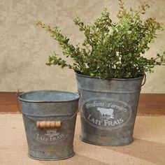 French Milk Pails - paint or stamp it yourself Farmhouse Style Decorating, French Country Decorating, Farmhouse Decor, Shabby Chic Decor, Rustic Decor, Farm Table Decor, Home Crafts, Diy Home Decor, Milk Pail