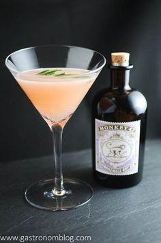 Rosemary's Blush - grapefruit juice, gin, rosemary, lemon and salt - Gastronomblog