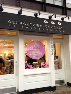 Georgetown Cupcake in Bethesda, MD is a very popular attraction for out of town visitors. However, if you're at The Inn on a Tues. you might get a FREE cupcake at Bingo night! Mocha Cupcakes, Banana Cupcakes, Gourmet Cupcakes, Strawberry Cupcakes, Red Velvet Cupcakes, Easter Cupcakes, Flower Cupcakes, Christmas Cupcakes, Restaurants