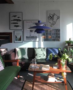 home style / green couch / mid century lamp