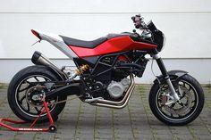 husqvarna nuda 900r Enduro Motocross, Super 4, Biker Clubs, Motosport, Bmw, Cafe Racer, Moto Style, Car Wheels, Bike Design