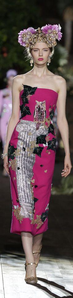 #Farbbberatung #Stilberatung #Farbenreich mit www.farben-reich.com Dolce & Gabbana Alta moda Fashion show & more details