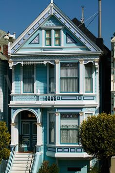 Beautiful Victorian San Francisco House In Navy Blue And White Painting With Carvings And Balcony Create Fresh Nuance, Magnificent Classy San Fransisco Victorian Houses For Living Place Inspirations: Architecture Woman Painting, House Painting, Beautiful Buildings, Beautiful Homes, San Francisco Houses, San Francisco Victorian Houses, Victorian Style Homes, Victorian Architecture, Home Photo