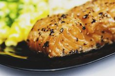 To satisfy the craving for salmon this dish perfectly comes in the list. This grilled salmon dish is filled with fatty acids which are very. Grilled Salmon, Baked Salmon, Dill Salmon, Salmon Eggs, Salmon Salad, Grilled Fish, Fish Recipes, Healthy Recipes, Healthy Foods