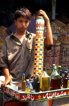 Karachi Street Vendor - Pakistan