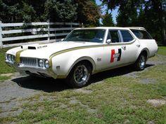 1969 Vista Cruiser Hurst/Olds creation