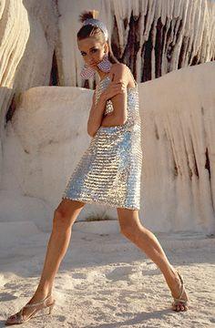 Model in Pamukkale, Turkey wearing short silver-sequined sleeveless dress by Joan Arkin. Photographed by Henry Clarke in Vogue, Metal Fashion, Mod Fashion, Fashion Beauty, Vintage Fashion, Fashion Trends, Fashion Goth, Lauren Hutton, Vogue, Estilo Mod