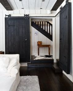 One day when I have my dream home, I will get my barn door ♥