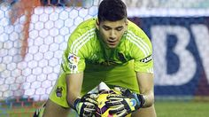 Manchester City sign Geronimo Rulli will stay at Real Sociedad for one more year (link in spanish) Geronimo, Manchester City, Spanish, Soccer, Football, Signs, Game, Beautiful, American Football