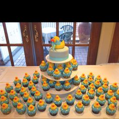 Sisters baby shower cupcakes looked so great!!