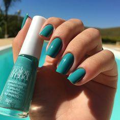 Avon Nail Polish, Avon Nails, Perfume, Color Trends, Make Up, Nail Art, Fingers, Beauty, Colors