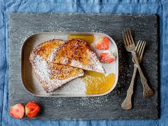 Arme riddere Danish Food, What To Cook, Sweet Bread, Grill Pan, Breakfast Recipes, French Toast, Grilling, Sandwiches, Goodies