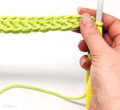 Cutter of the month – Crochet attachments Diy Crochet And Knitting, Tunisian Crochet, Love Crochet, Beautiful Crochet, Crochet Clothes, Crochet Stitches, Stitch Patterns, Crochet Patterns, Accessoires Barbie