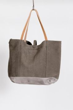 http://chicerman.com  stardotcreations:  Humanoid Tote  #accessories