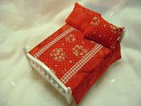 diy miniature bedspread & pillows for dollhouse bed