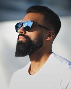 Instagram: @Raqieb.Balaydin #beardstyle #beard #beardfade #hairstyle #menshairstyle #sunglasses