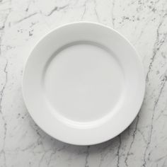 Aspen Dinner Plate at Crate and Barrel Canada. Discover unique furniture and decor from across the globe to create a look you love. Porcelain Dinnerware, Dinnerware Sets, Crate And Barrel, Farmhouse Dinnerware, Cooking Gadgets, Flatware Set, Cup And Saucer Set, Plates On Wall, Plate Wall