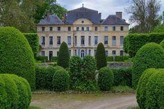 Catherine Deneuve Chateau - Catherine Deneuve Home - Veranda.com.                            SE VENDE!