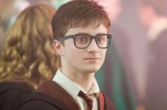 """This Is What """"Harry Potter"""" Would Be Like If It Were Set In 2016 I admit, he looks kinda hot"""