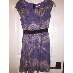 Dress very pretty colors, could be worn for formal occasions or more casual. bought from target and never worn. Dresses