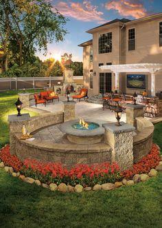 Amazing 59 Beautiful Paver Patio Designs that Inspire https://toparchitecture.net/2017/12/18/59-beautiful-paver-patio-designs-inspire/