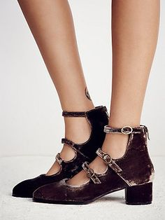 FP Collection Womens Vega Block Heel from Free People. Saved to If The Shoe Fits, Wear It. Orange Shoes, Purple Shoes, Green Shoes, Heeled Boots, Shoe Boots, Shoes Heels, Ankle Heels, Beige Shoes, Black Shoes