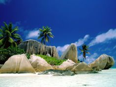 Seychelles Islands - Beautiful Places to Visit Seychelles La Digue, Seychelles Islands, Seychelles Africa, Seychelles Beach, Strand Wallpaper, Beach Wallpaper, Hd Wallpaper, Catamaran, Beautiful Islands