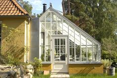 greenhouse - this is EXACTLY what I want on the house!!!