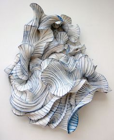 "Paper Sculpture by Peter Gentenaar. ""Peter Gentenaar isn't any ordinary paper artist. He creates extraordinarily beautiful paper sculptures that have an ethereal quality to them. Art Sculpture, Paper Sculptures, Installation Art, Textile Art, Art Lessons, Fiber Art, Amazing Art, Design Art, Design Ideas"