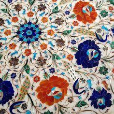 Alexander Lamont photograph of Taj Mahal stone inlay Mughal Architecture, Ancient Architecture, Art And Architecture, Taj Mahal Interior, Arabesque, Zentangle, India Pattern, India Art, Motif Floral