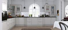 Crea Kitchen Island, Kitchen Cabinets, Kitchens, Home Decor, Island Kitchen, Decoration Home, Room Decor, Cabinets, Kitchen