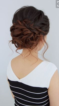 These Gorgeous Updo Hairstyle That You'll Love To Try! Whether a classic chignon, textured updo or a chic wedding updo with a beautiful details. These wedding updos are perfect for any bride looking for a unique wedding hairstyles… Loose Braids, Loose Updo, Updos With Braids, Soft Updo, Side Braids, Side Bun Updo, Braids Cornrows, Fancy Hairstyles, Bridal Hairstyles