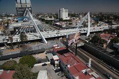 El Puente Matute Remus en la Ciudad de Guadalajara. Diseño Arq. Álvaro Morales y Arq. Miguel Echauri  www.echaurimorales.com
