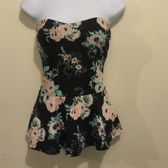 Small strapless floral blouse 96% polyester 4% spandex-wash fuzz on material Tops Blouses
