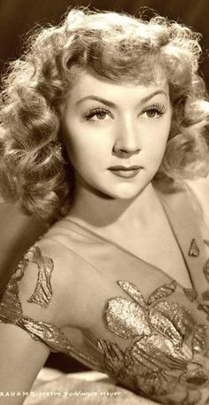 Gloria Grahame, 1940's - loved her in Oklahoma! and It's a Wonderful Life. She was just adorable!