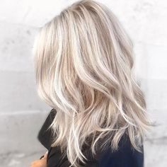 50 Long Blonde Hair Color Ideas in 2019 50 Long Blonde Hair Color Ideas in Many of us wondered that at some point we would look like athlete blonde tresses. Don't worry here we have prepared a list of yellow color ideas to he…, Long Blonde Hair Color Cool Blonde Hair, Light Blonde Hair, Platinum Blonde Hair, Cool Hair Color, Blonde Hair Fall 2018, Platinum Highlights, Blonde Hair For Fall, Baby Blonde Hair, Medium Blonde Hair
