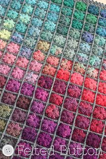 Gorgeous blanket and the pattern is available.