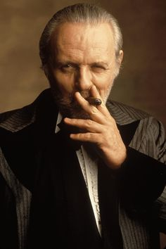Meet Joe Black was all about Brad Pitt.but Sir Anthony made the movie for me. Famous Cigars, Sir Anthony Hopkins, Looks Black, Fidel Castro, Hannibal Lecter, Best Actor, Famous Faces, Belle Photo, Hollywood Actresses