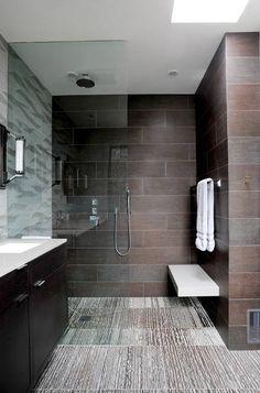 Walk-in shower,no door, bench
