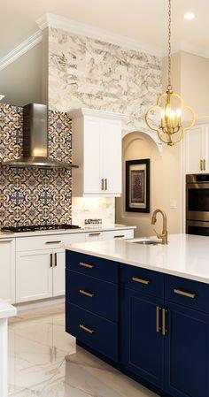 Beautiful Kitchen Designs, Modern Kitchen Design, Beautiful Kitchens, Cool Kitchens, Remodeled Kitchens, Black Kitchens, Luxury Kitchens, Kitchen Tops, Kitchen Island