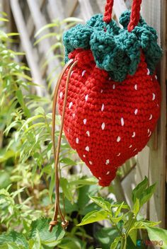 strawberry crochet bag pattern by ahooka
